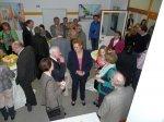 Monika Bachmann und Tanja Bach im Gespräch mit Besuchern.JPG